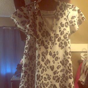 Dresses & Skirts - Leopard print dress.